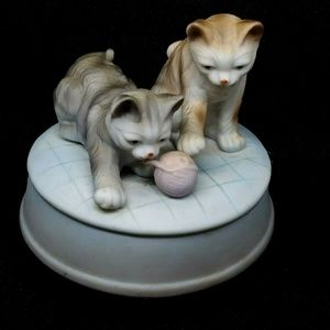 CATS at Play VTG Music Box
